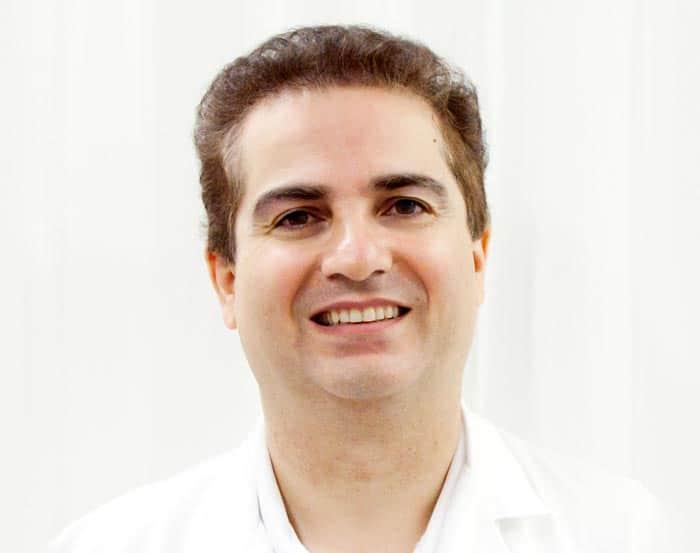 dr Arjomandi